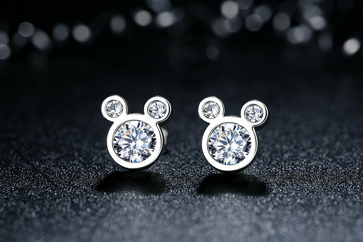 686c7068539d3 Dazzling Mickey Mouse Earrings